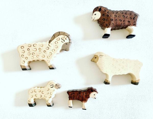 Holztiger Schaffamilie